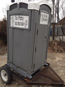 trailer mounted toilet